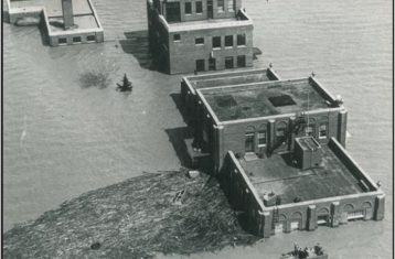 black and white photo of omaha flood